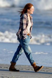 Julianne Moore, Alec Baldwin e Kristen Stewart seguem gravando o longa Still Alice em Nova Iorque
