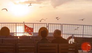 rosso-istanbul-in-anteprima-il-poster-del-nuovo-film-di-ferzan-ozpetek