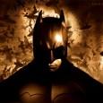 """Dimenticatevi la Catwoman burtoniana che si cuce il costume in perfetto stile """"do-it-yourself"""", o il Bane (Flagello nella versione italiana) di Joel Schumacher, che pare un clone malriuscito del Vendicatore […]"""