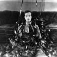 Cinema e musica, da sempre, sono indissolubili: già ai tempi del cinema muto un pianoforte o un'orchestrina accompagnavano le immagini, creando rimbalzi di emozioni visive e uditive che ancora possono […]