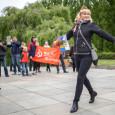 Ogni anno, il 9 maggio, le persone si radunano nel Treptower Park a Berlino. Un folla immensa dalla mattina arriva al parco vestita nei loro migliori abiti o in uniforme […]