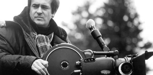 I natali cinematografici glieli aveva dati Pasolini, dapprima sul set diAccattone, dove, giovanissimo, Bertolucci faceva l'aiuto regista, subito dopo regalandogli il soggetto per il lungometraggio d'esordio:La comare secca. Era il […]