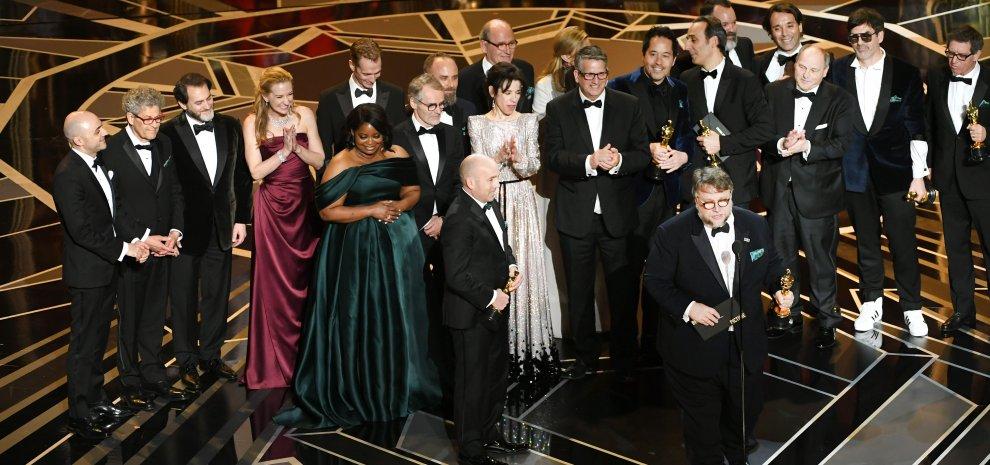 Photo of Assegnati gli Oscar 2018: tutto secondo copione